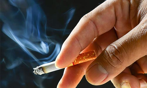 Sử dụng thuốc lá (hút thuốc) quá nhiều