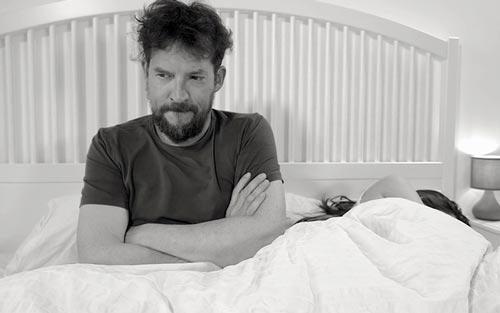 Bị thiếu ngủ ảnh hưởng sinh lý nam giới