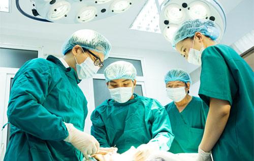 Trĩ ngoại giai đoạn đầu sẽ được điều trị theo 2 hướng nội khoa và ngoại khoa