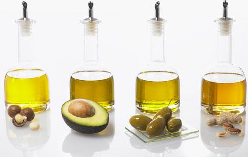 Người bệnh trĩ nên tăng cường bổ sung các loại dầu