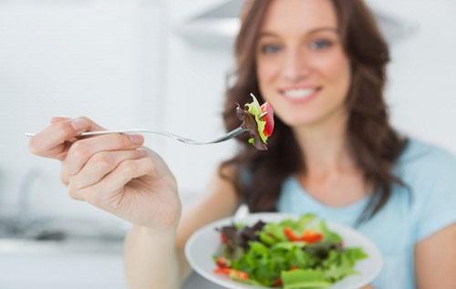 Các loại rau củ quả chính là thực phẩm người bị trĩ hỗn hợp nên ăn
