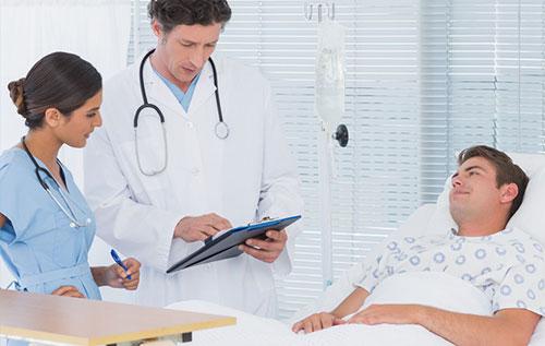 Làm gì khi bị bệnh trĩ đi ngoài ra máu đó là thăm khám càng sớm càng tốt