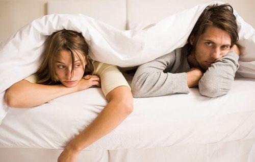 Triệu chứng của bệnh lậu ở nam giới thường là đau rát khi giao hợp