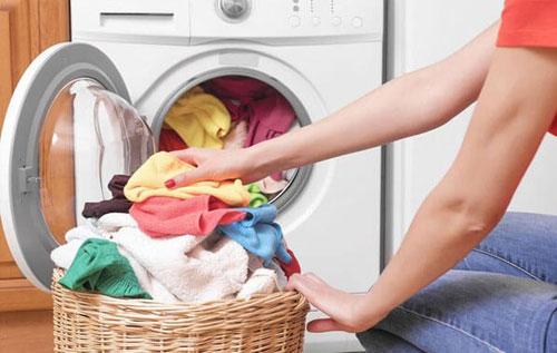 Giặt chung quần áo có bị lây sùi mào gà là câu hỏi nhiều người thắc mắc