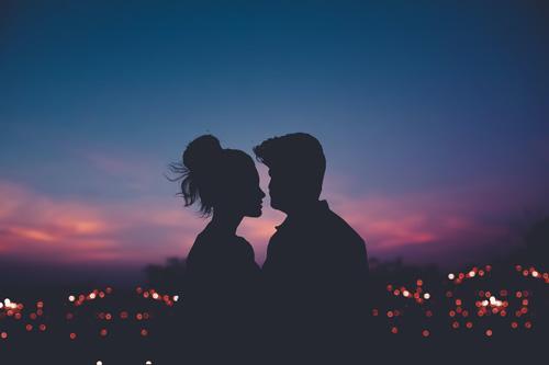 Ma kết nam thích bạn luôn khiến bạn cảm thấy an toàn khi ở cùng.