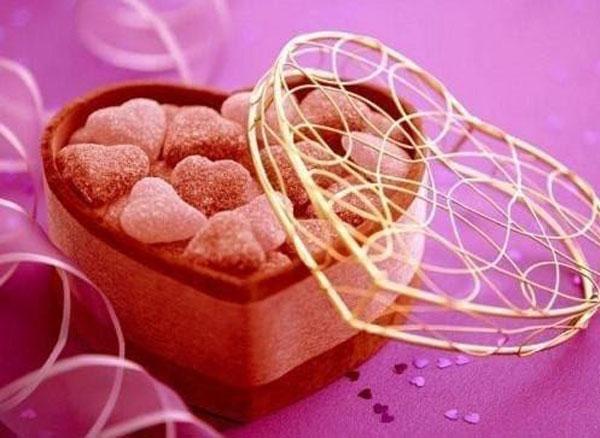 Hộp kẹo – quà tặng ngọt ngào, lãng mạn cho bạn gái -quà tặng bạn gái ngày sinh nhật