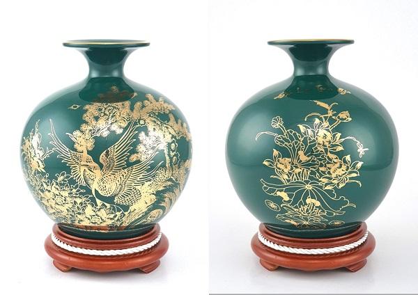 Màu xanh vinh hoa, phú quý cũng được thêm vào bộ sưu tập bình hút tài lộc  của sản xuất Gốm sứ