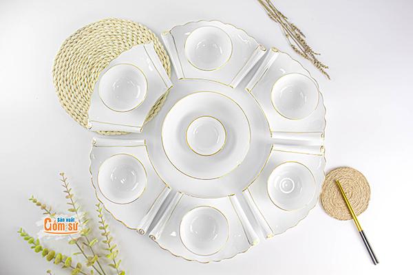 Bộ bàn ăn thật sang trọng và đẳng cấp đến từ sản xuất Gốm sứ